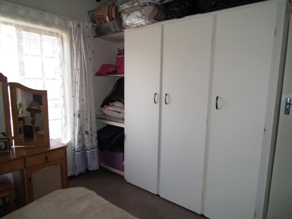 Margate property for sale. Ref No: 13362462. Picture no 22