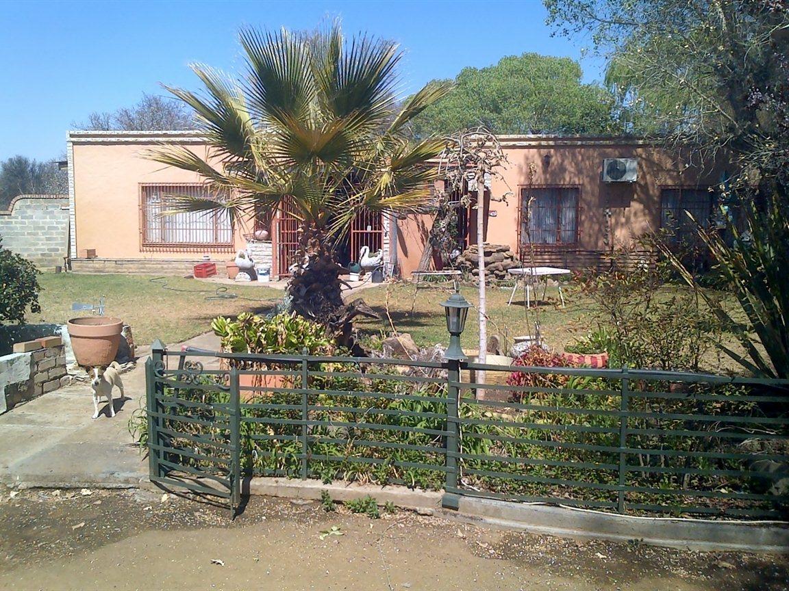 Bloemfontein, Estoire Property  | Houses For Sale Estoire, Estoire, Farms 4 bedrooms property for sale Price:1,300,000