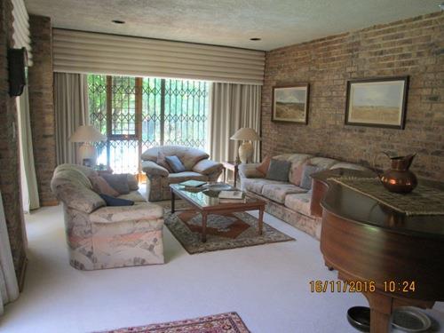 Glenvista property for sale. Ref No: 13525322. Picture no 3