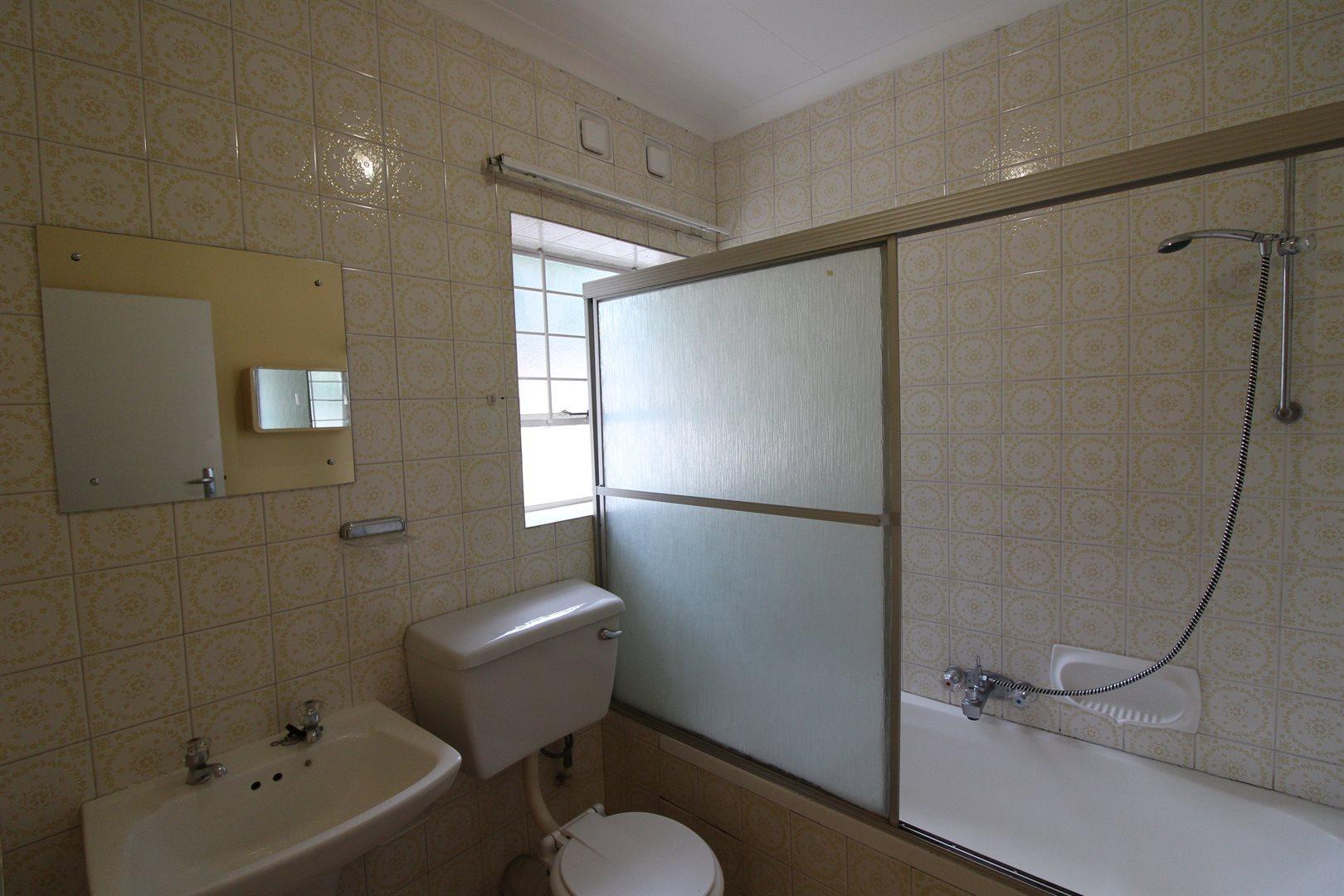 Bryanston property for sale. Ref No: 13552406. Picture no 23