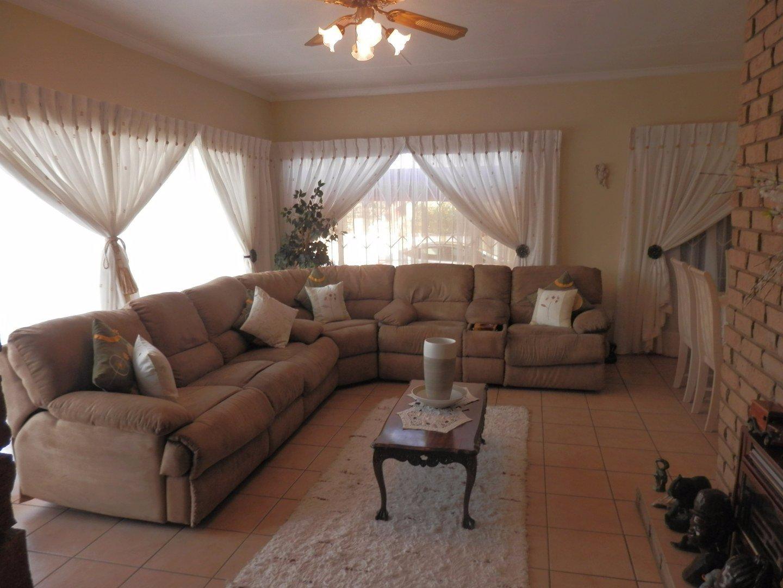 Kibler Park property for sale. Ref No: 13534955. Picture no 11