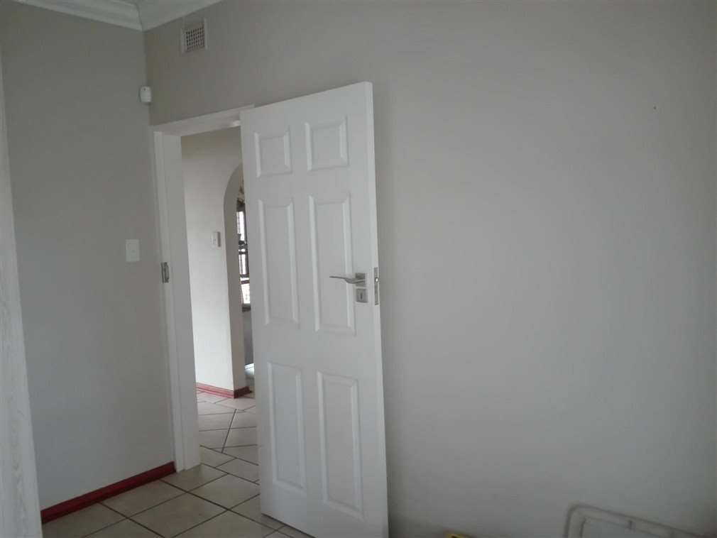 Umtentweni property for sale. Ref No: 13520888. Picture no 24