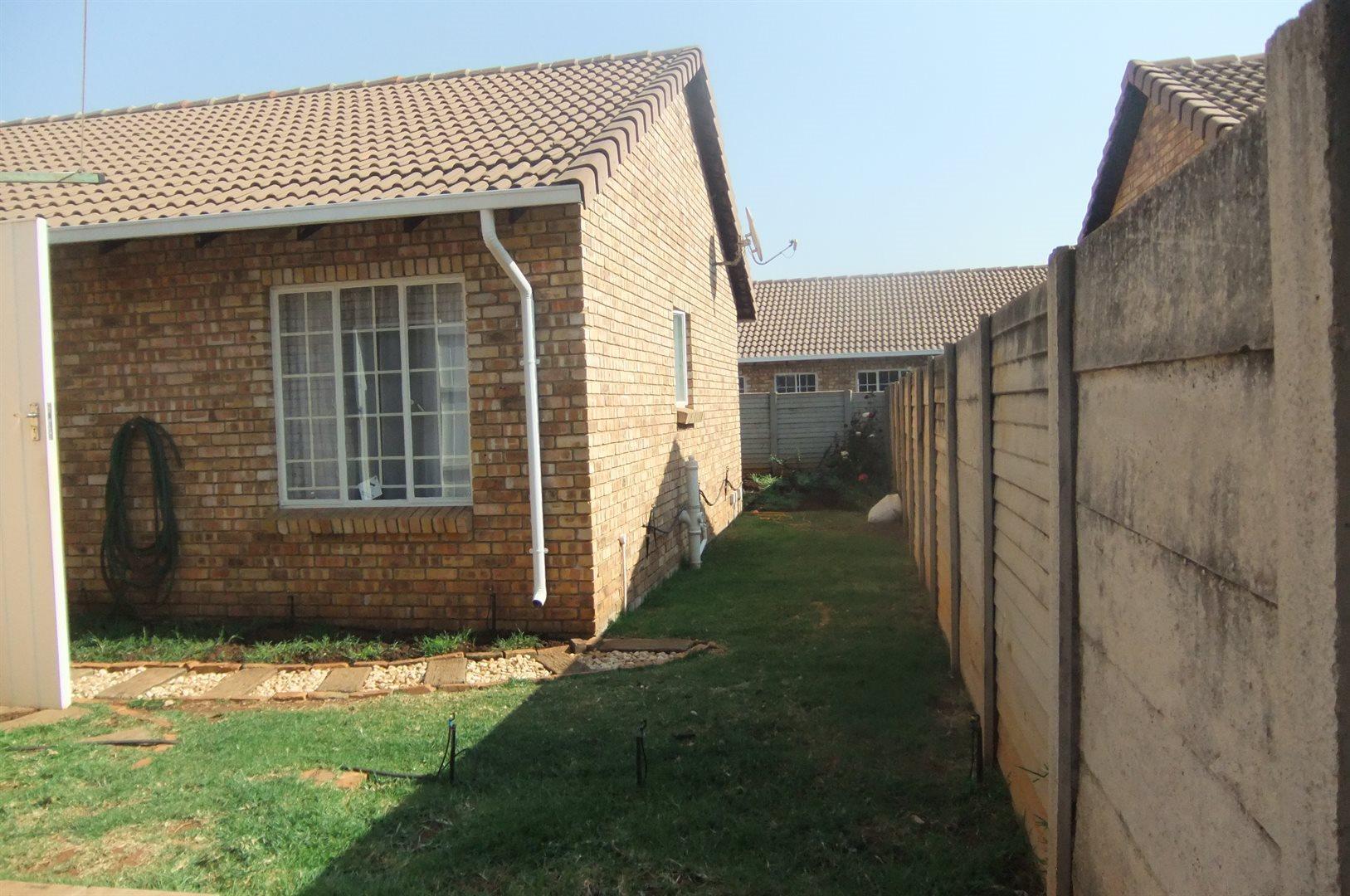 Doornpoort property for sale. Ref No: 13529208. Picture no 14