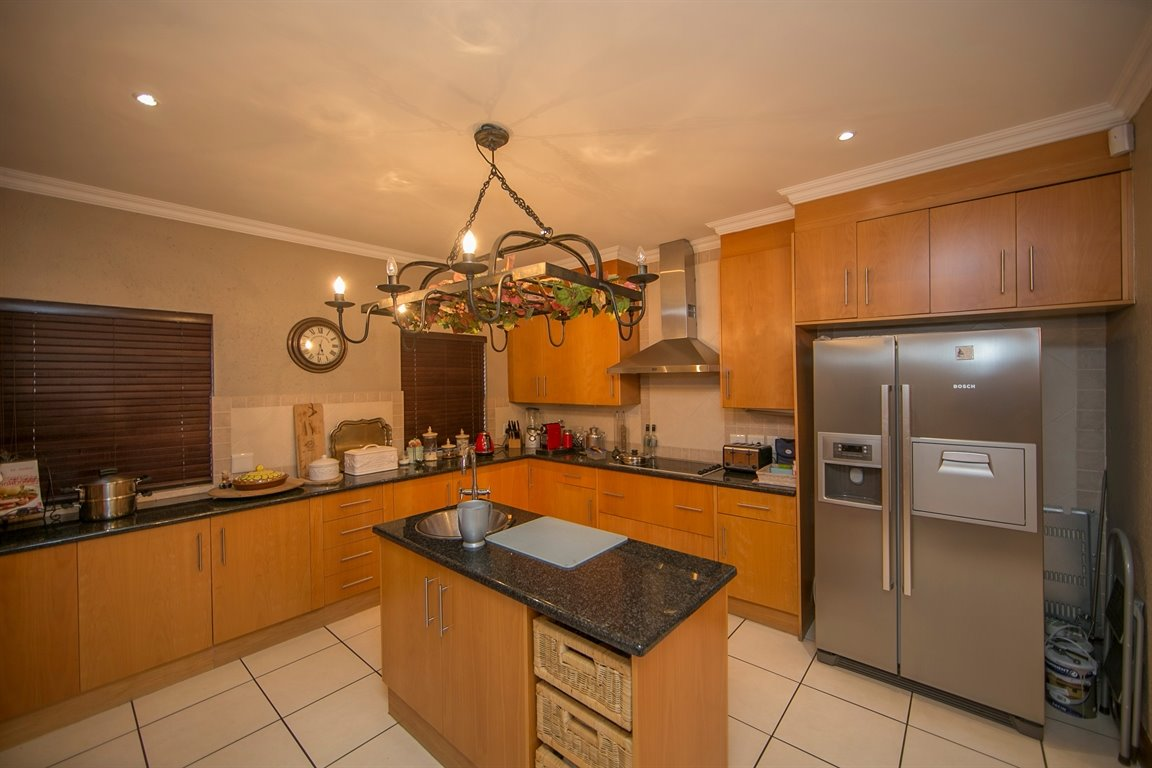 Fourways property for sale. Ref No: 13401727. Picture no 4