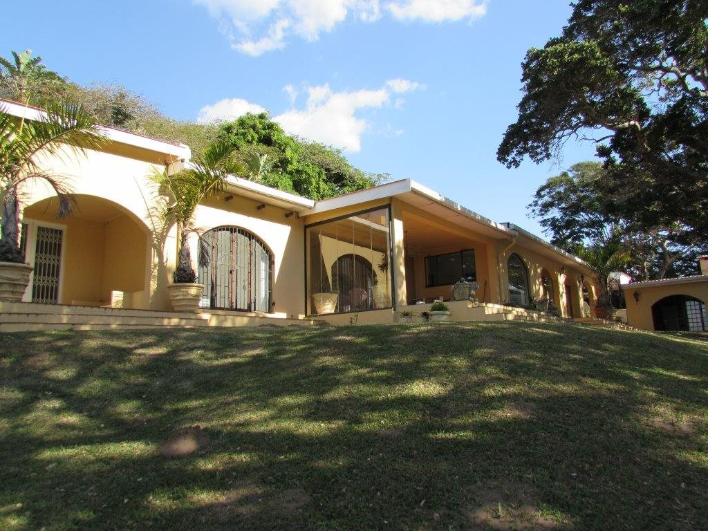 Hibberdene, Pumula Property  | Houses For Sale Pumula, Pumula, Farms 8 bedrooms property for sale Price:4,200,000