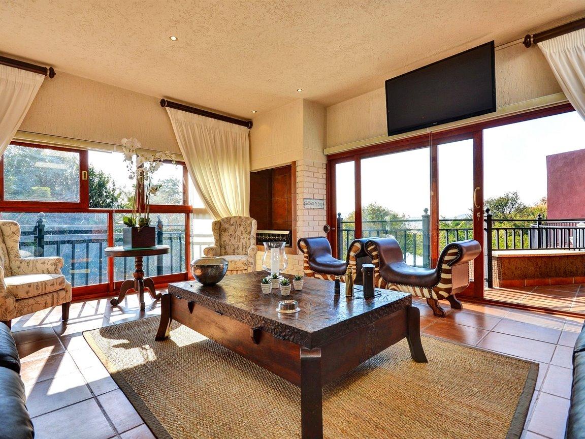 Glenvista property for sale. Ref No: 13390499. Picture no 9