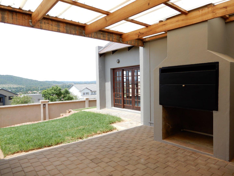 Eldo View property for sale. Ref No: 13571784. Picture no 16