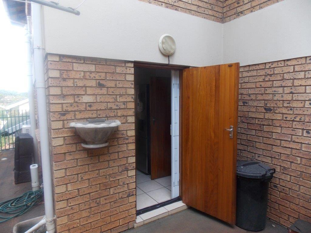 Amanzimtoti property for sale. Ref No: 13372994. Picture no 17