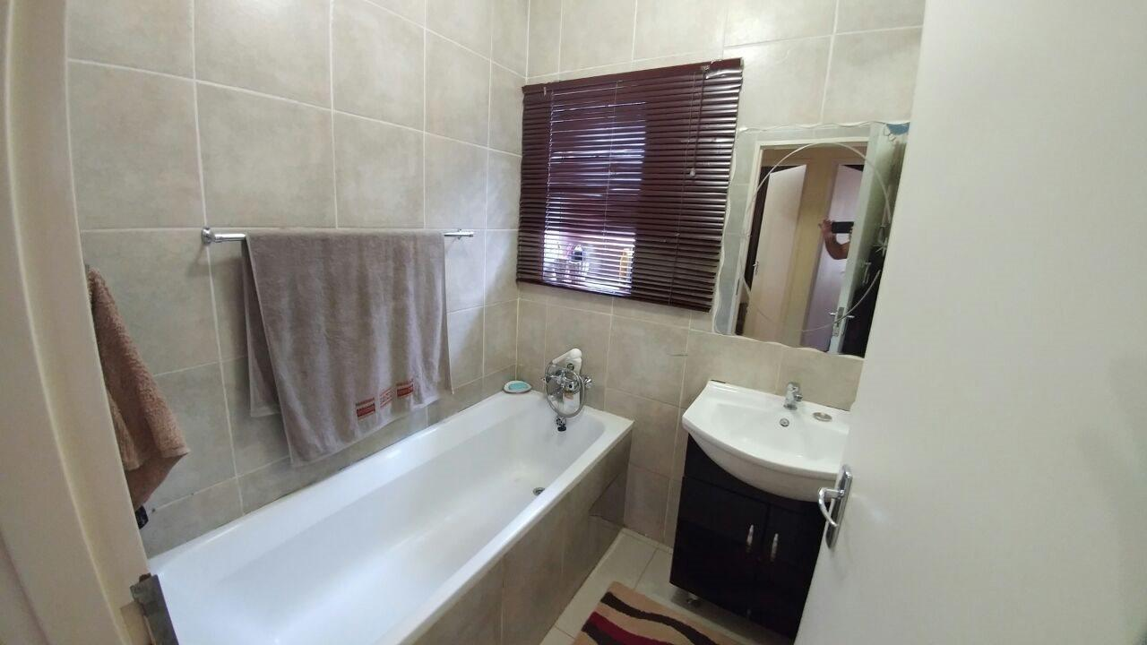 Rosslyn property for sale. Ref No: 13566713. Picture no 15