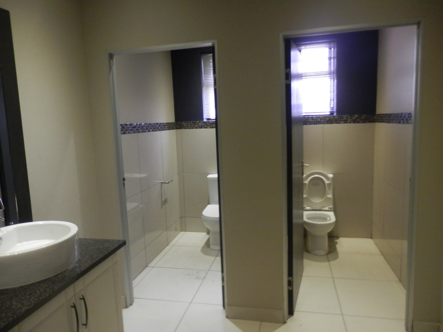Eastleigh property for sale. Ref No: 13593580. Picture no 15