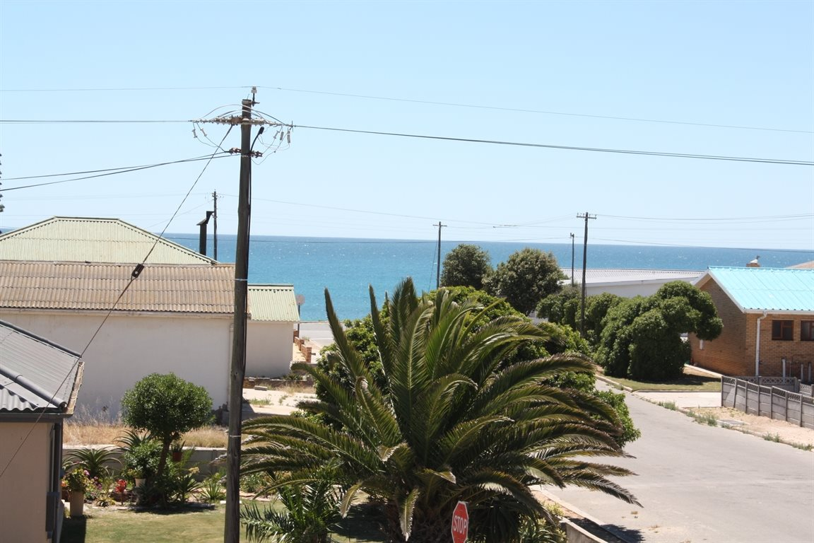Lamberts Bay property for sale. Ref No: 13425012. Picture no 24