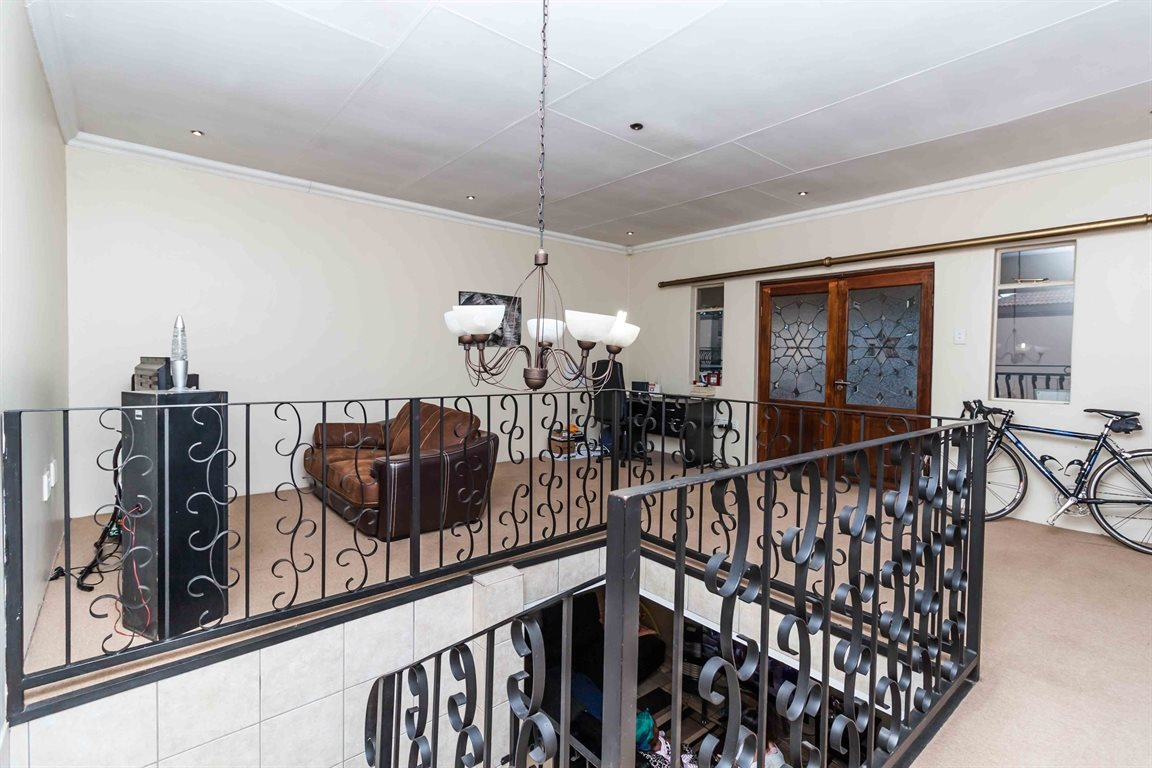 Raslouw property for sale. Ref No: 13489477. Picture no 28