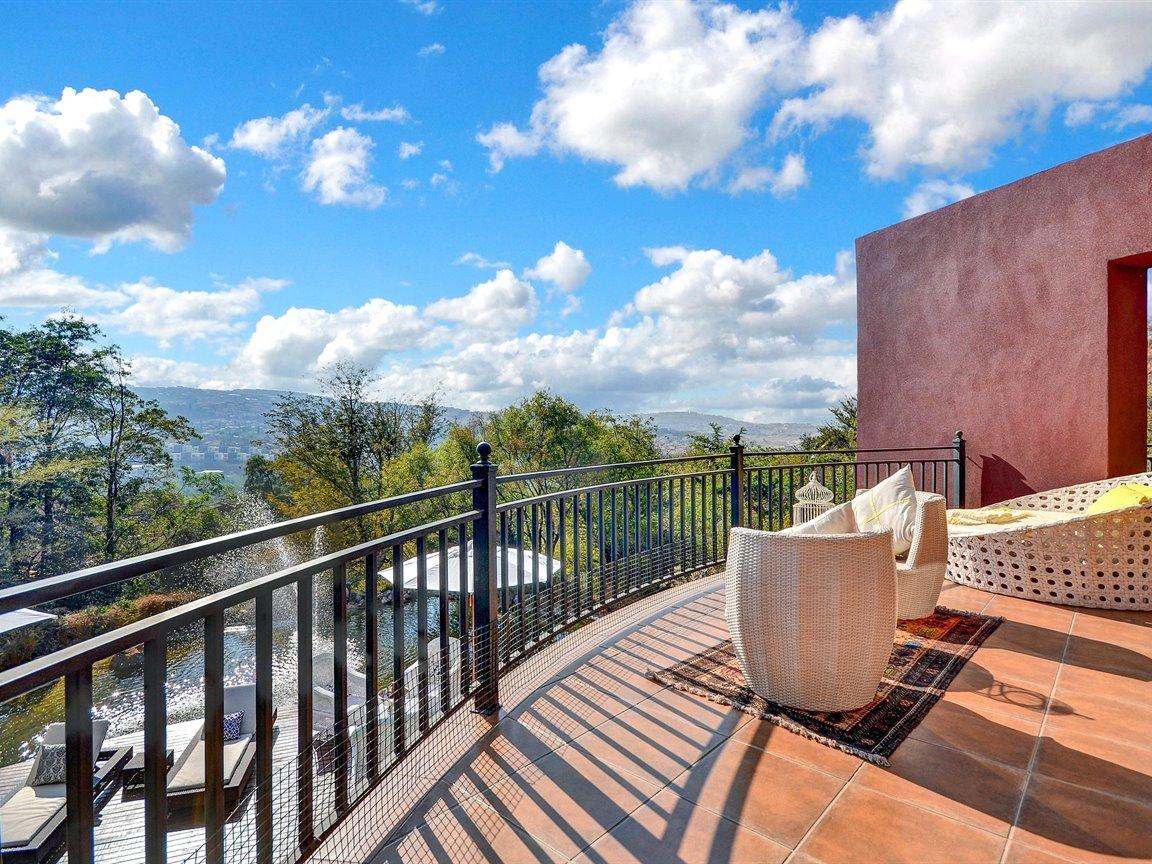 Glenvista property for sale. Ref No: 13390499. Picture no 18