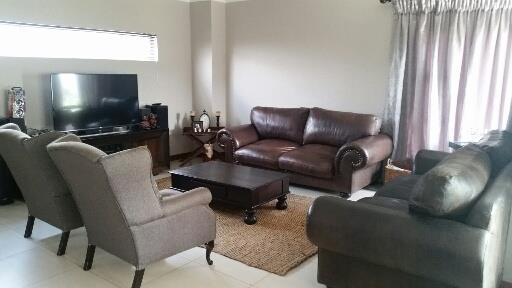 Midstream Ridge Estate property for sale. Ref No: 13462257. Picture no 4
