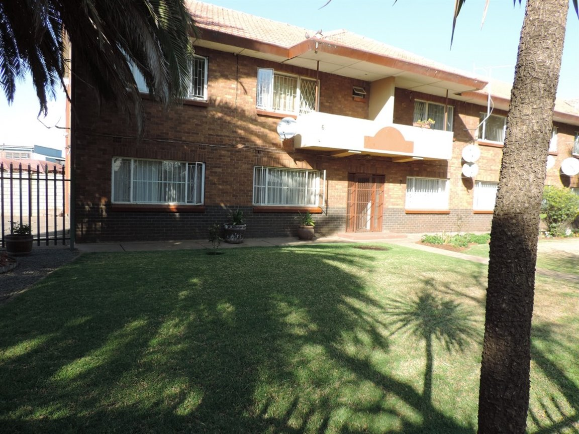 Property and Houses for sale in Gauteng - Page 1631, Apartment, 2 Bedrooms - ZAR 480,000