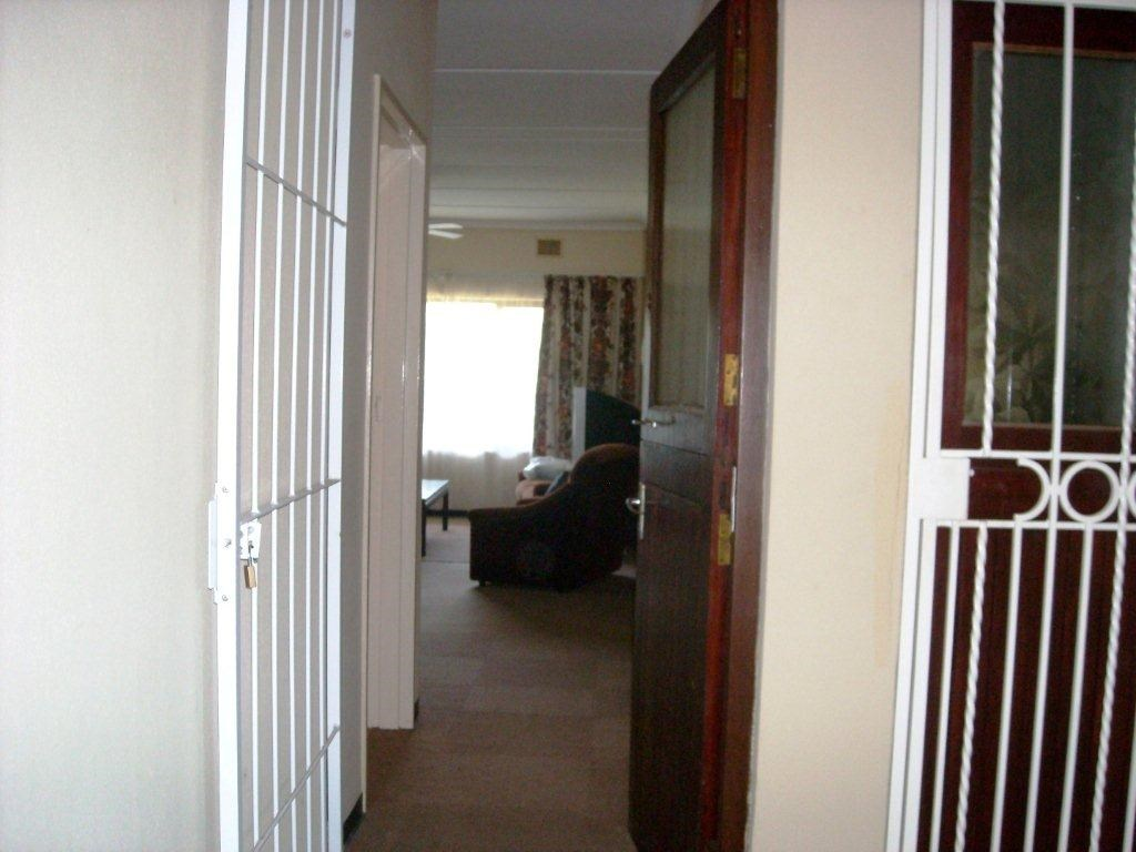Anerley property for sale. Ref No: 12735555. Picture no 3