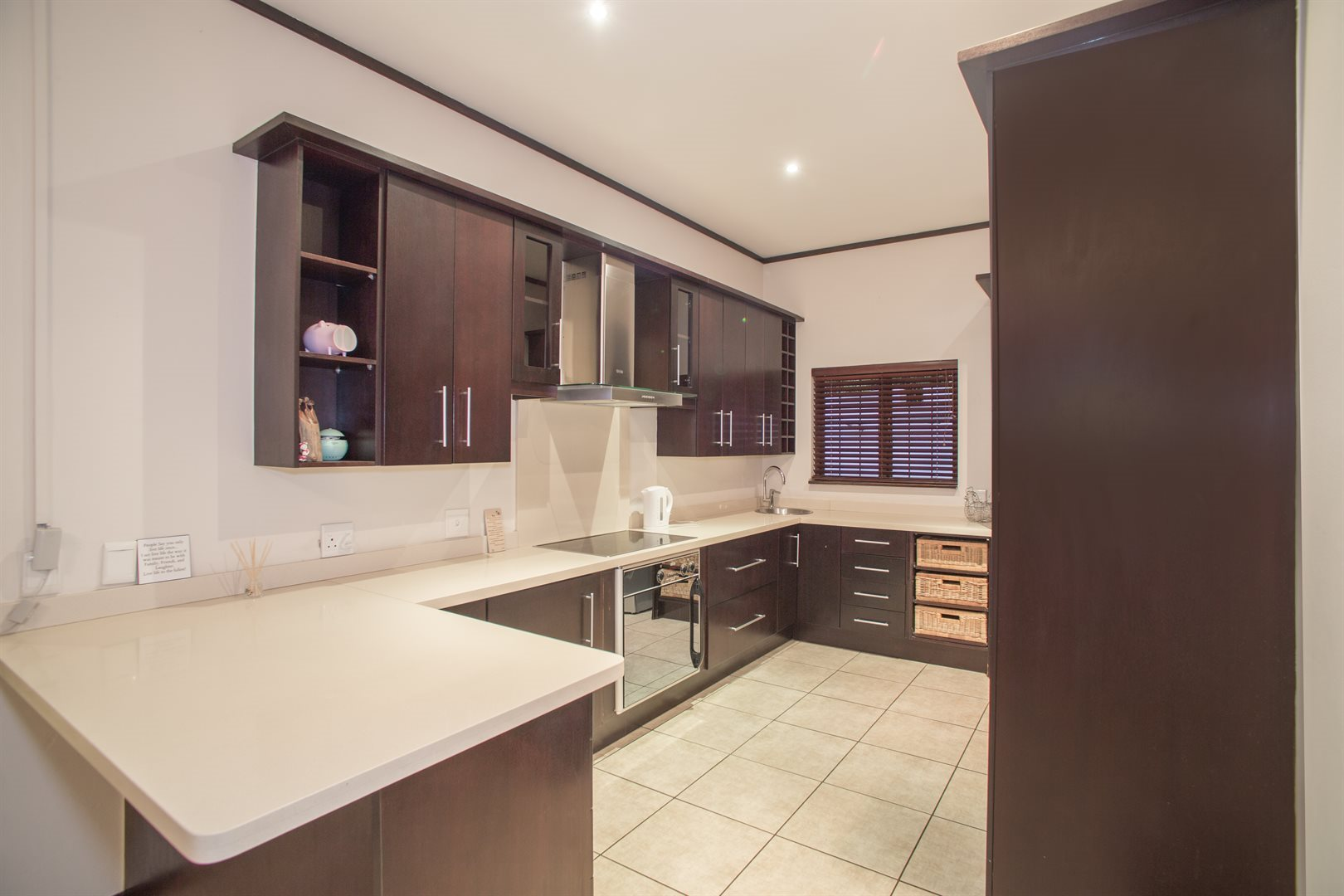 Lonehill property for sale. Ref No: 13529904. Picture no 4