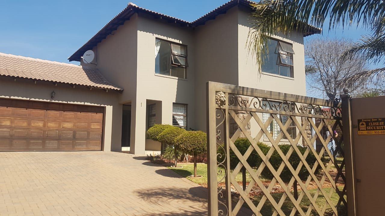 Krugersdorp, Chancliff Ridge Property  | Houses For Sale Chancliff Ridge, Chancliff Ridge, House 3 bedrooms property for sale Price:1,650,000