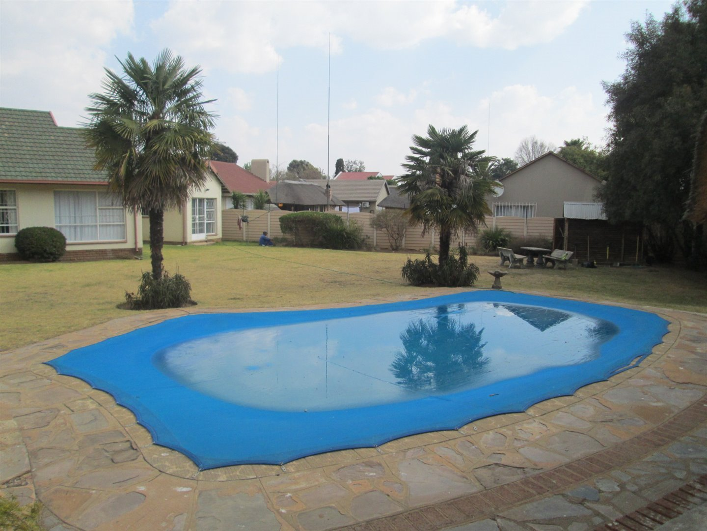 Brackenhurst property for sale. Ref No: 13540618. Picture no 3