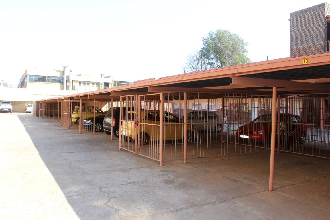 Die Bult property for sale. Ref No: 13521625. Picture no 9