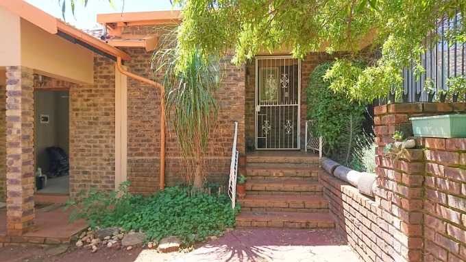 Pretoria, Theresapark Property  | Houses For Sale Theresapark, Theresapark, House 3 bedrooms property for sale Price:1,750,000