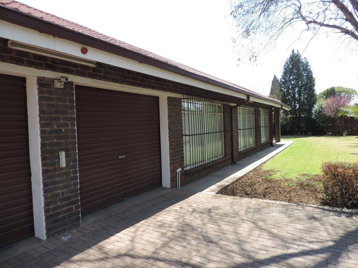 Arcon Park property for sale. Ref No: 12761384. Picture no 1