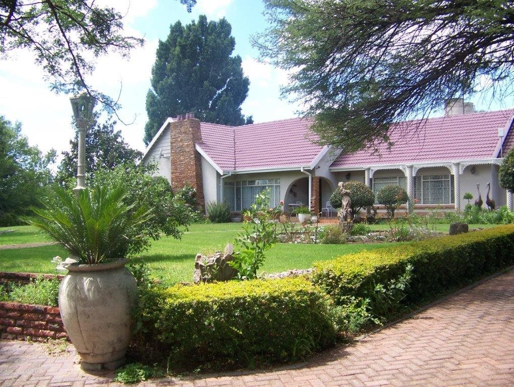Parys property for sale. Ref No: 13554431. Picture no 1