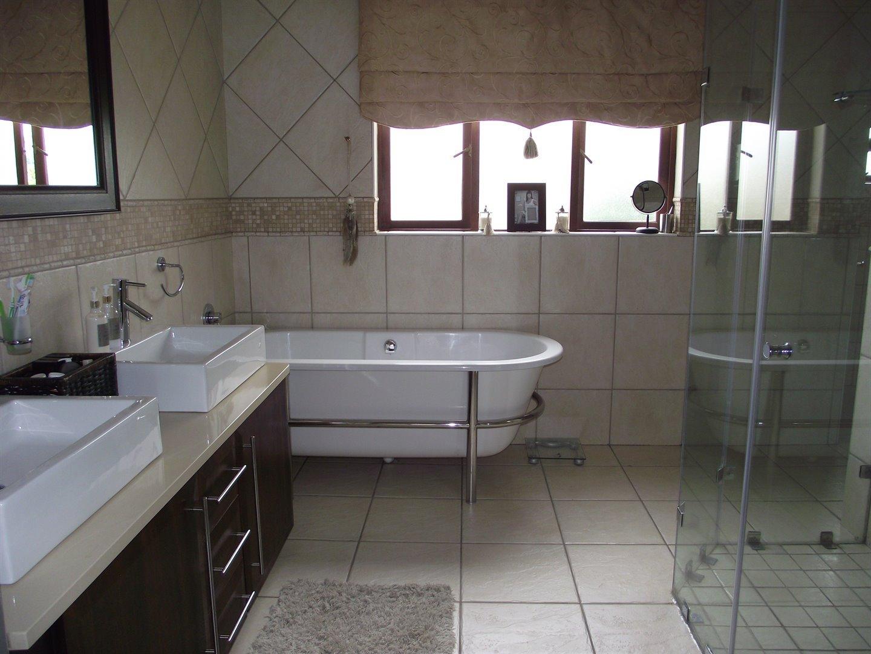 Midstream Estate property for sale. Ref No: 13477549. Picture no 10