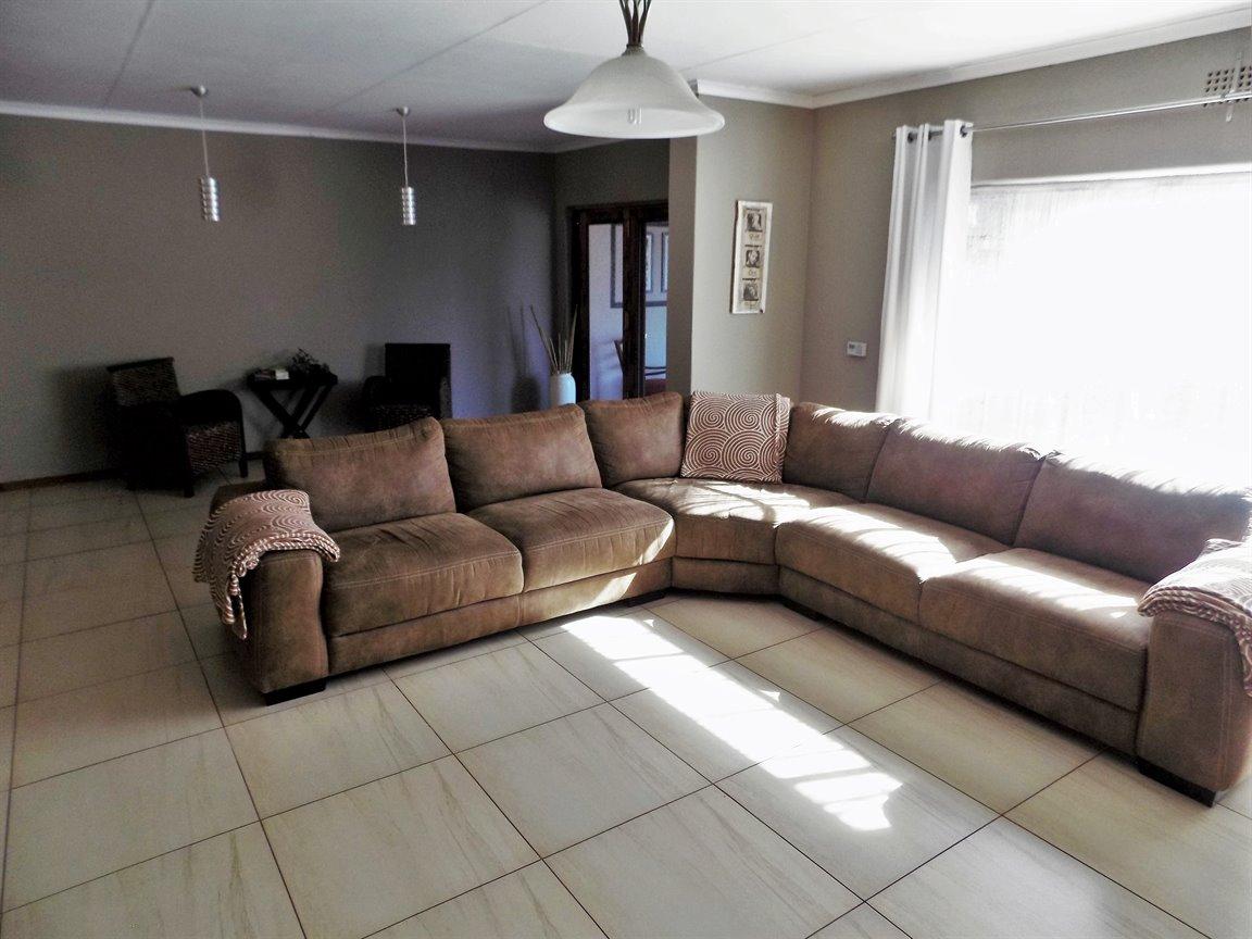 Alberton property for sale. Ref No: 13393819. Picture no 8