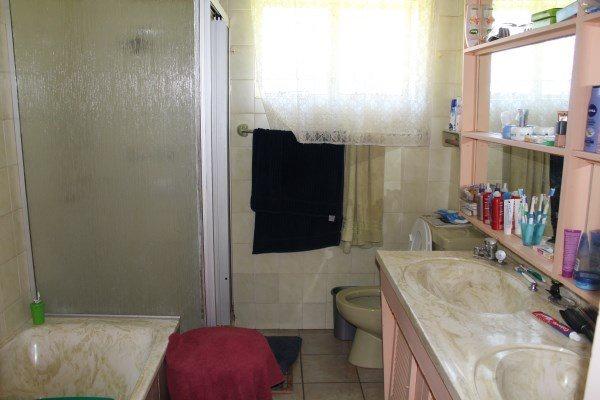 Unitas Park property for sale. Ref No: 12792390. Picture no 11