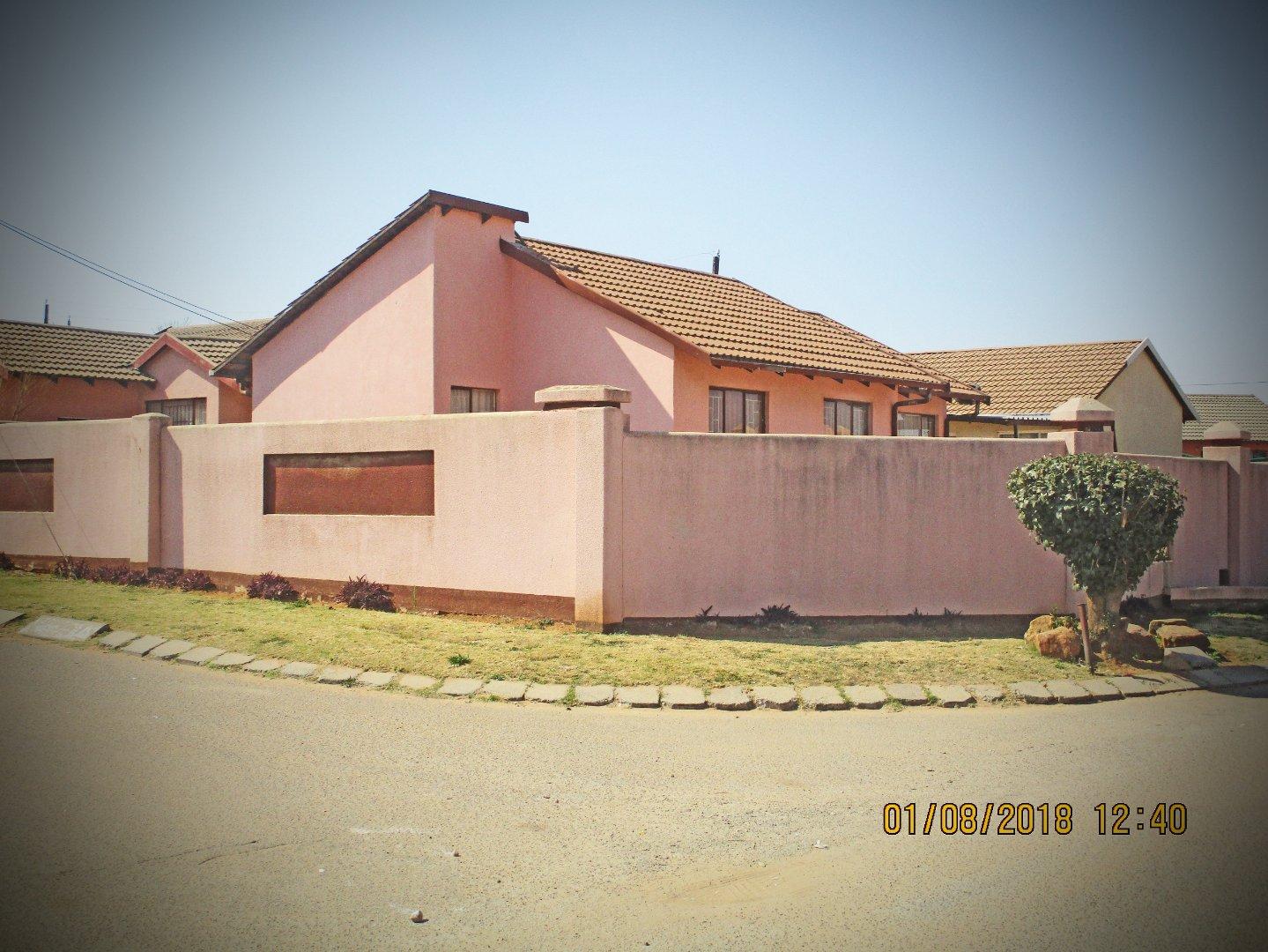Krugersdorp, Kagiso Property  | Houses For Sale Kagiso, Kagiso, House 3 bedrooms property for sale Price:650,000