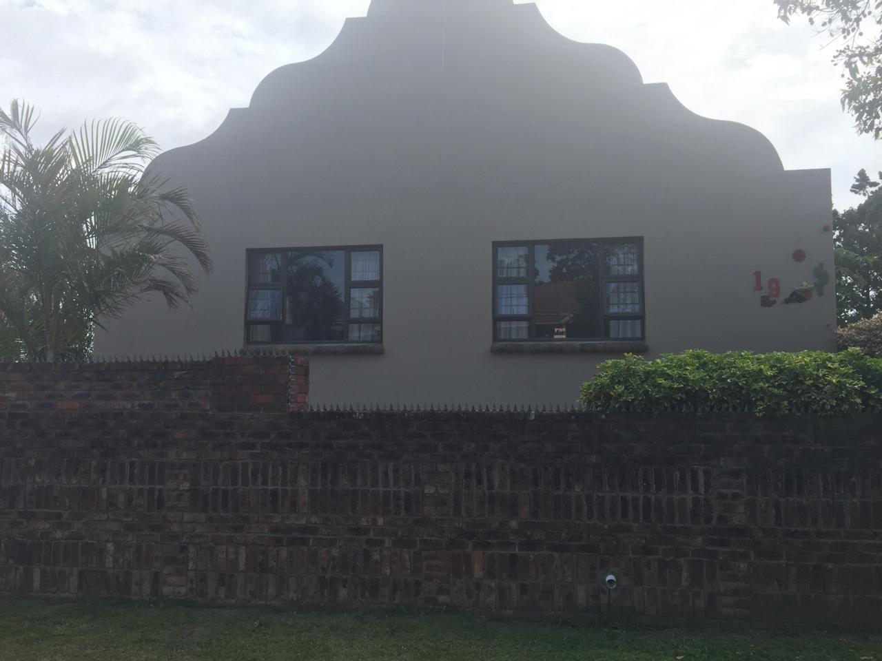 Property for Sale by DLC INC. ATTORNEYS Ernest De La Querra, House, 6 Bedrooms - ZAR 1,650,000