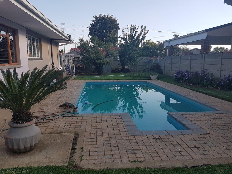 Risiville property for sale. Ref No: 13466641. Picture no 18