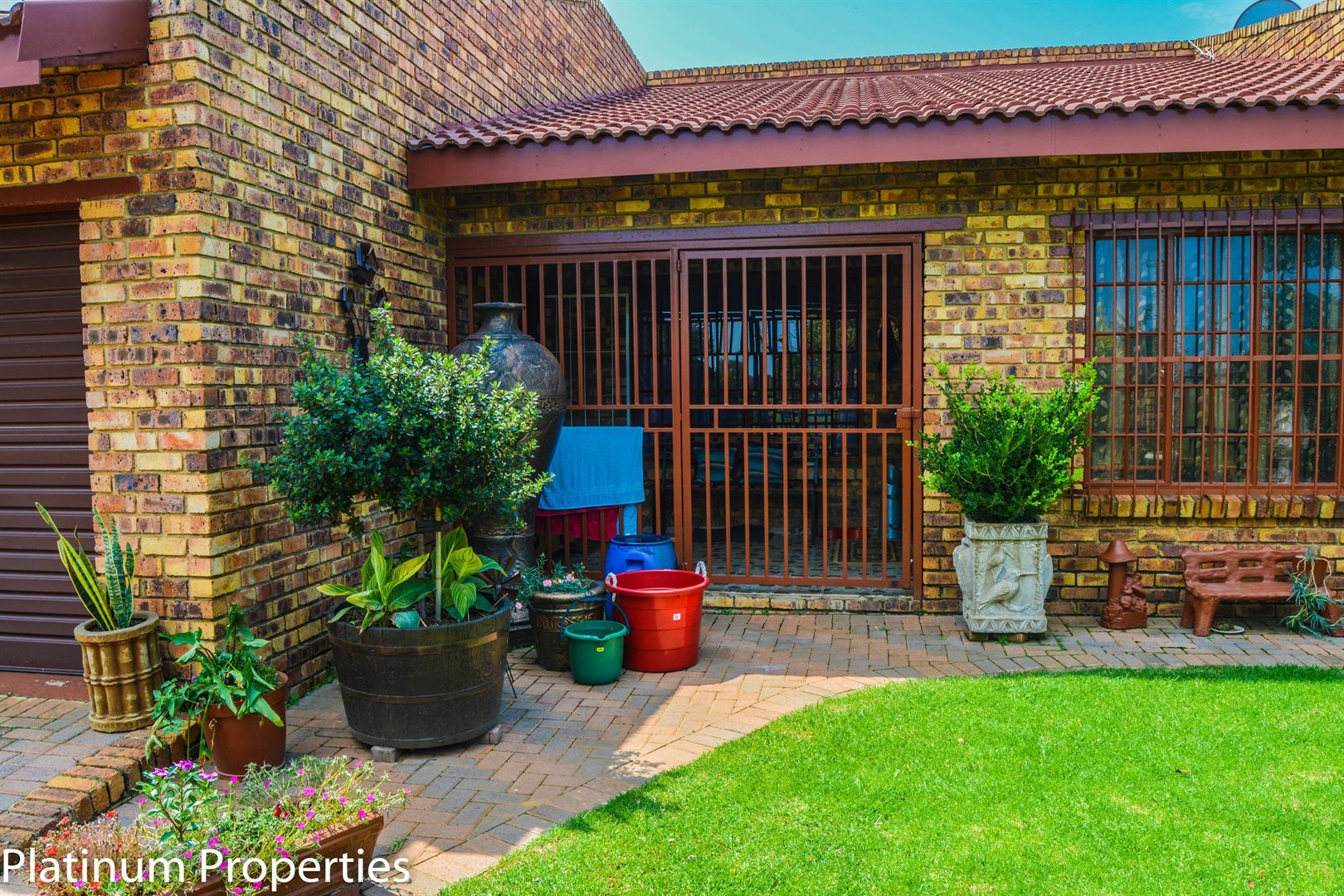 Riversdale property for sale. Ref No: 12734707. Picture no 1