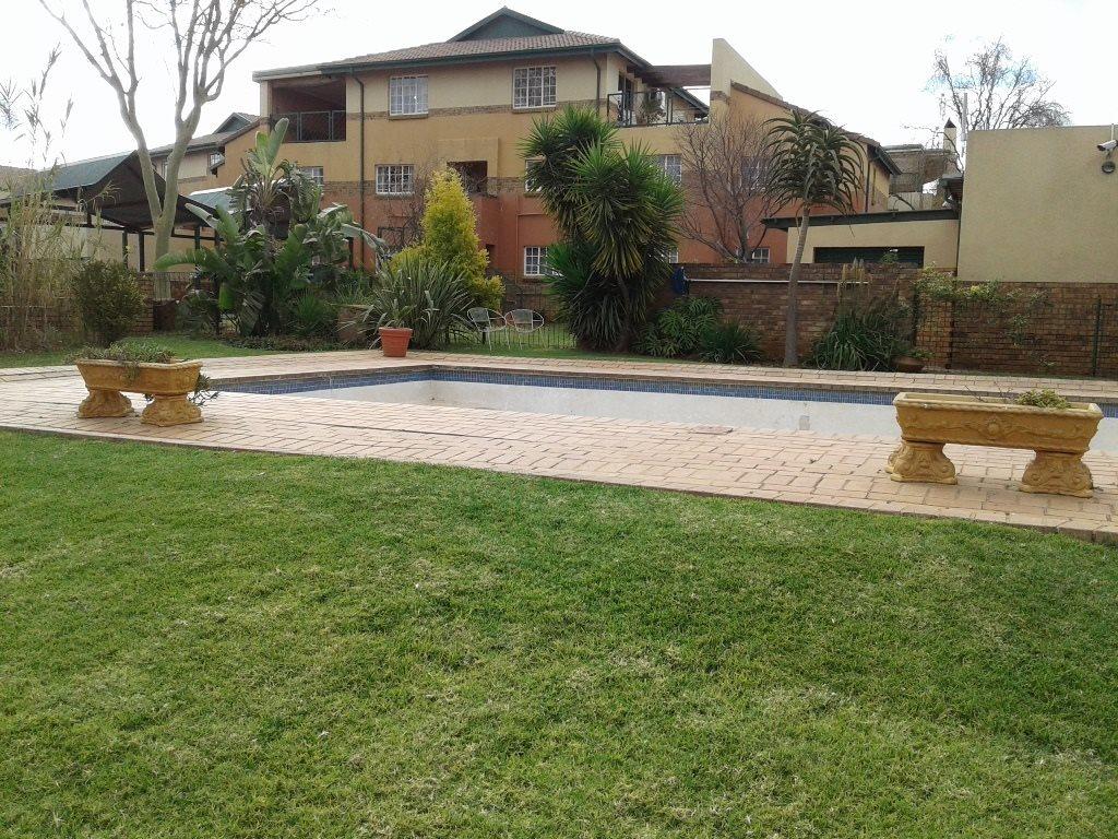 Pretoria, Elarduspark Property  | Houses For Sale Elarduspark, Elarduspark, Townhouse 3 bedrooms property for sale Price:960,000