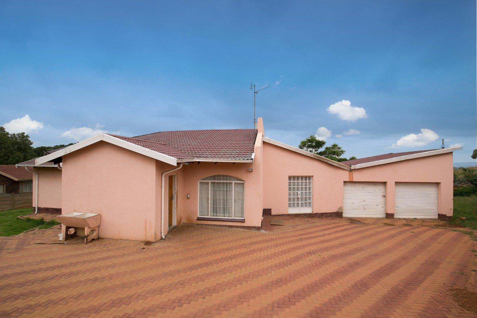 Johannesburg, Naturena Property    Houses For Sale Naturena, Naturena, House 3 bedrooms property for sale Price:1,180,000