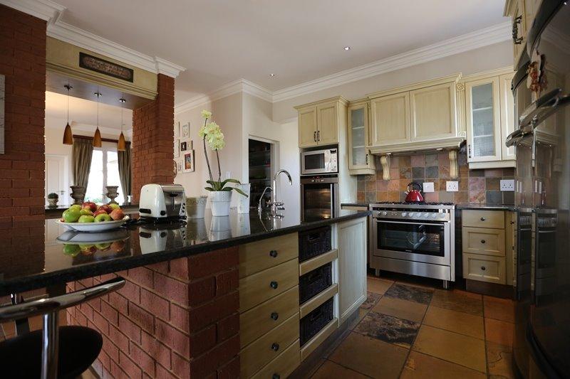 Midstream Estate property for sale. Ref No: 13254174. Picture no 7