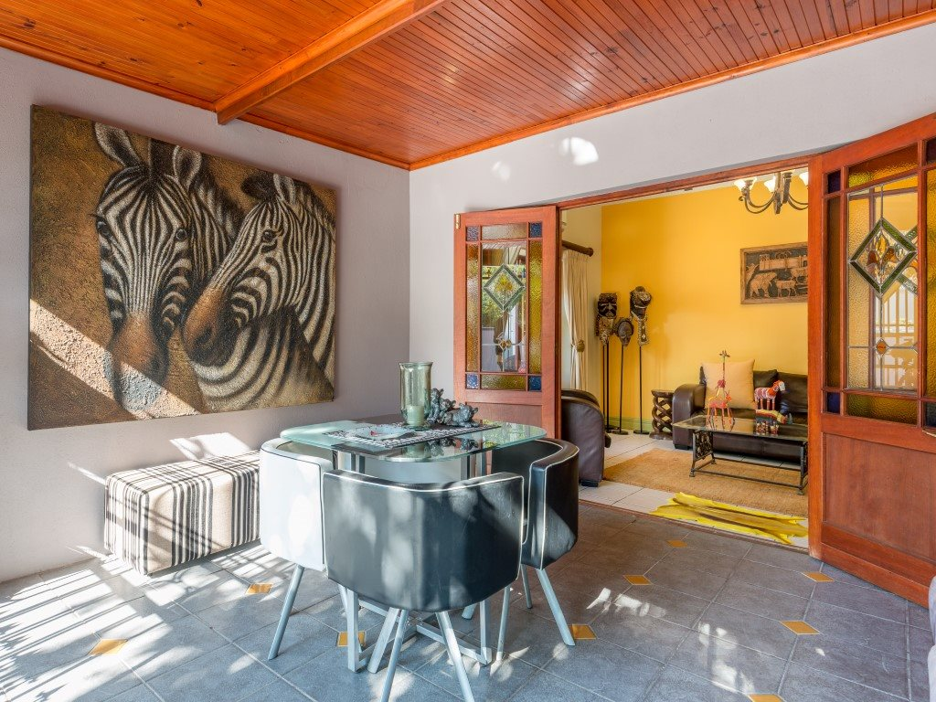 Franschhoek property for sale. Ref No: 13327931. Picture no 3