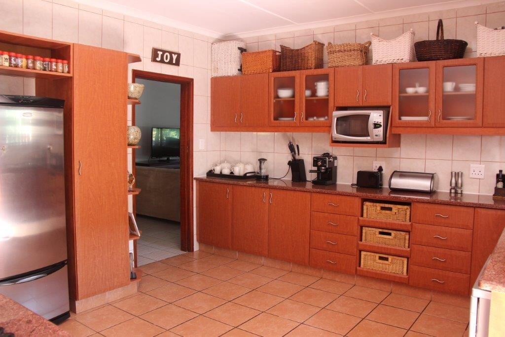 Uvongo property for sale. Ref No: 13529548. Picture no 18