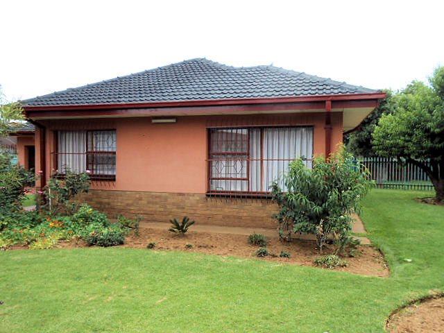 Risiville property for sale. Ref No: 13416924. Picture no 15