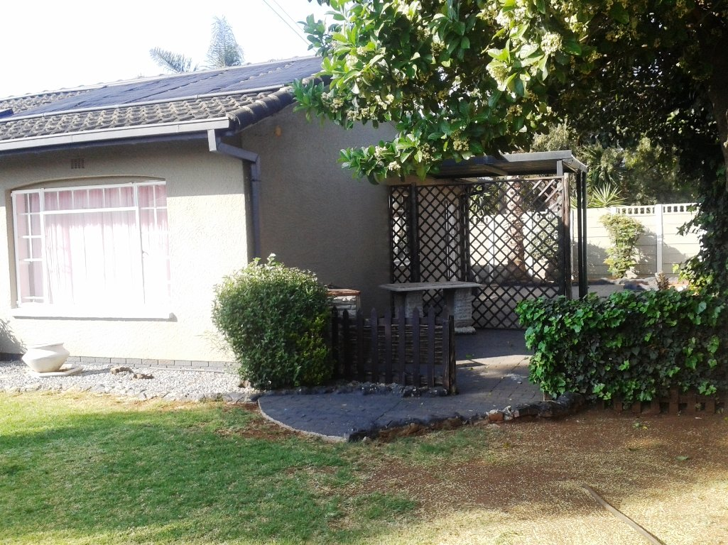 Verwoerdpark property for sale. Ref No: 13617375. Picture no 3
