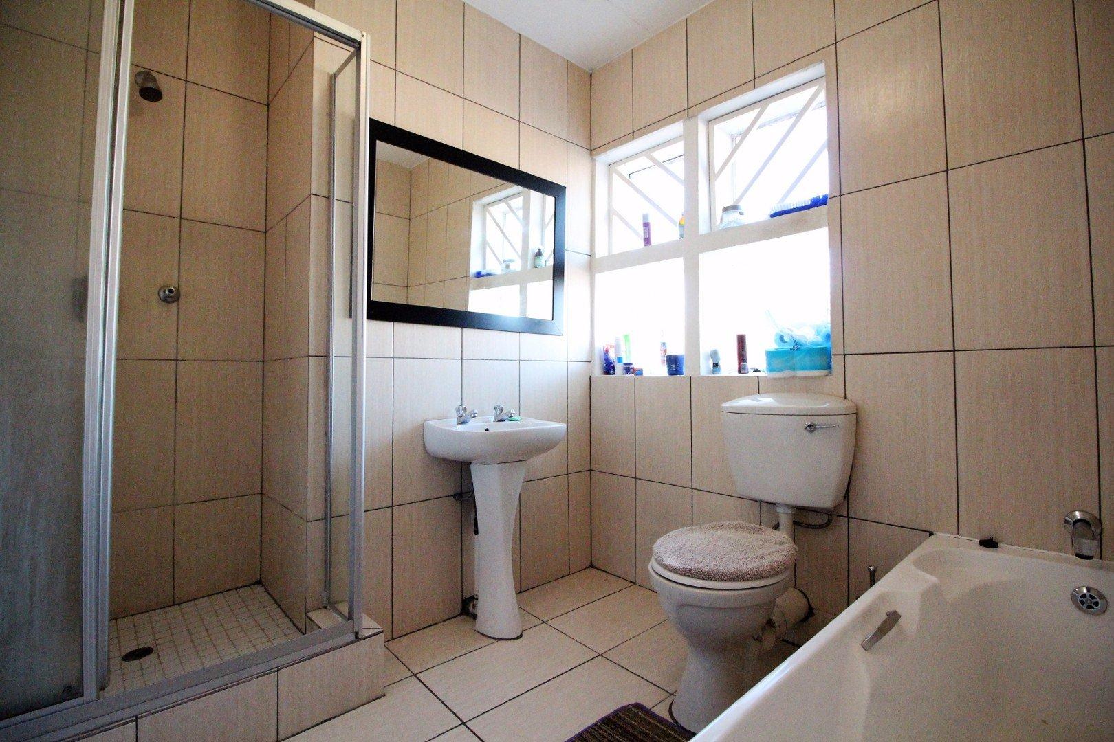 Mulbarton property for sale. Ref No: 13551868. Picture no 15