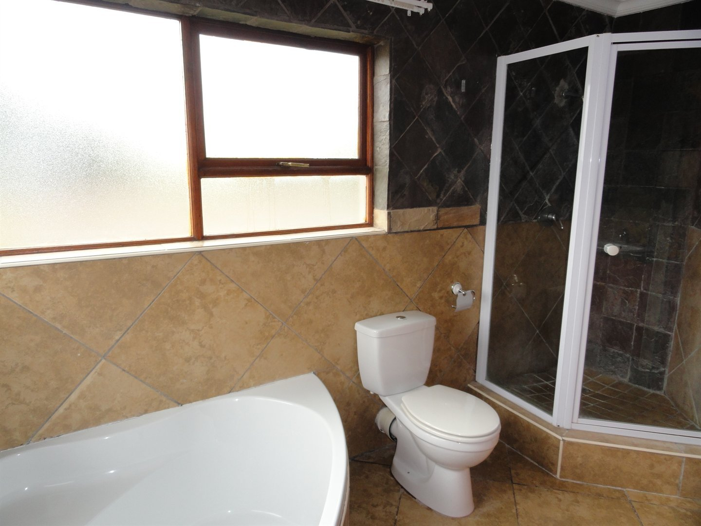 Willow Acres Estate property for sale. Ref No: 13473862. Picture no 9