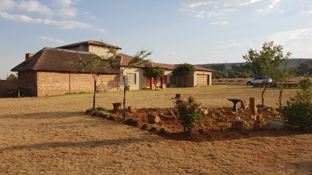 Allewynspoort property for sale. Ref No: 13497711. Picture no 37