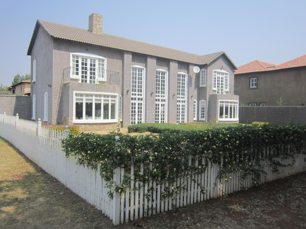 Centurion, Zwartkop Golf Estate Property  | Houses For Sale Zwartkop Golf Estate, Zwartkop Golf Estate, House 3 bedrooms property for sale Price:4,300,000
