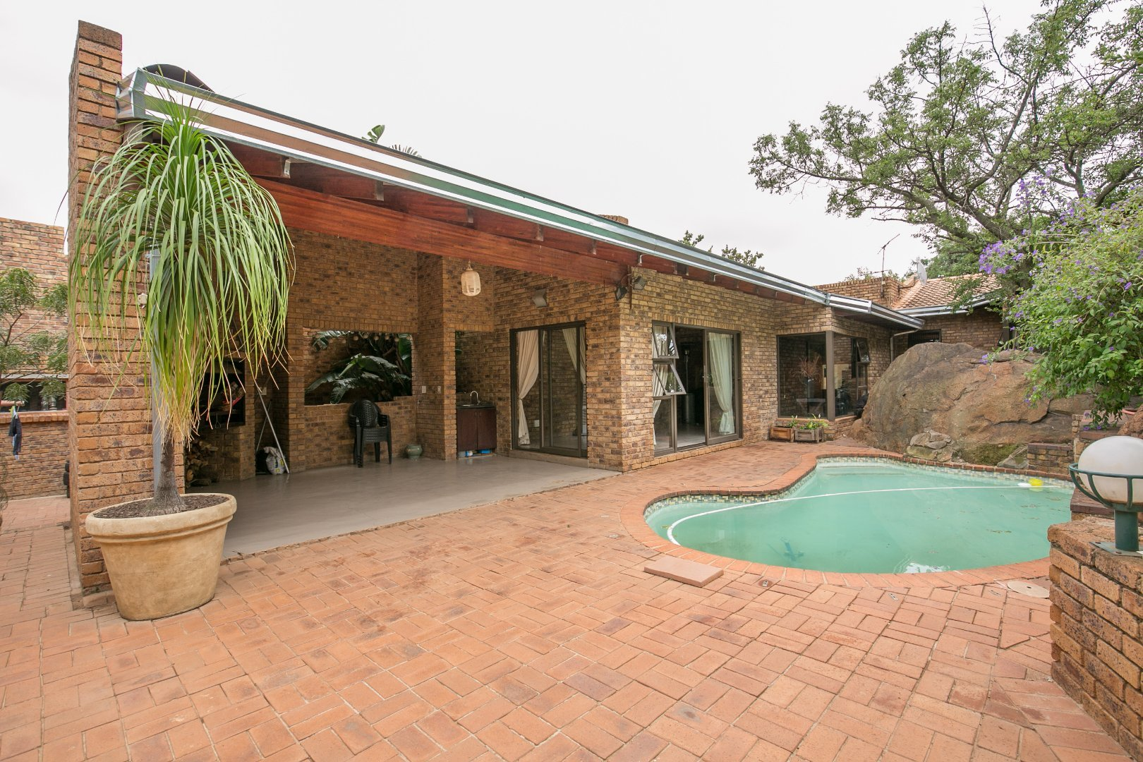 Johannesburg, Mulbarton Property  | Houses For Sale Mulbarton, Mulbarton, House 3 bedrooms property for sale Price:2,650,000