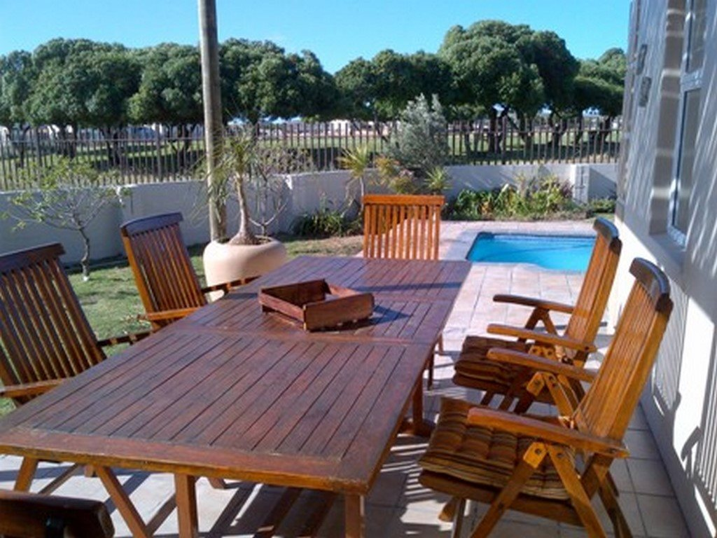 Country Club property for sale. Ref No: 13567857. Picture no 3