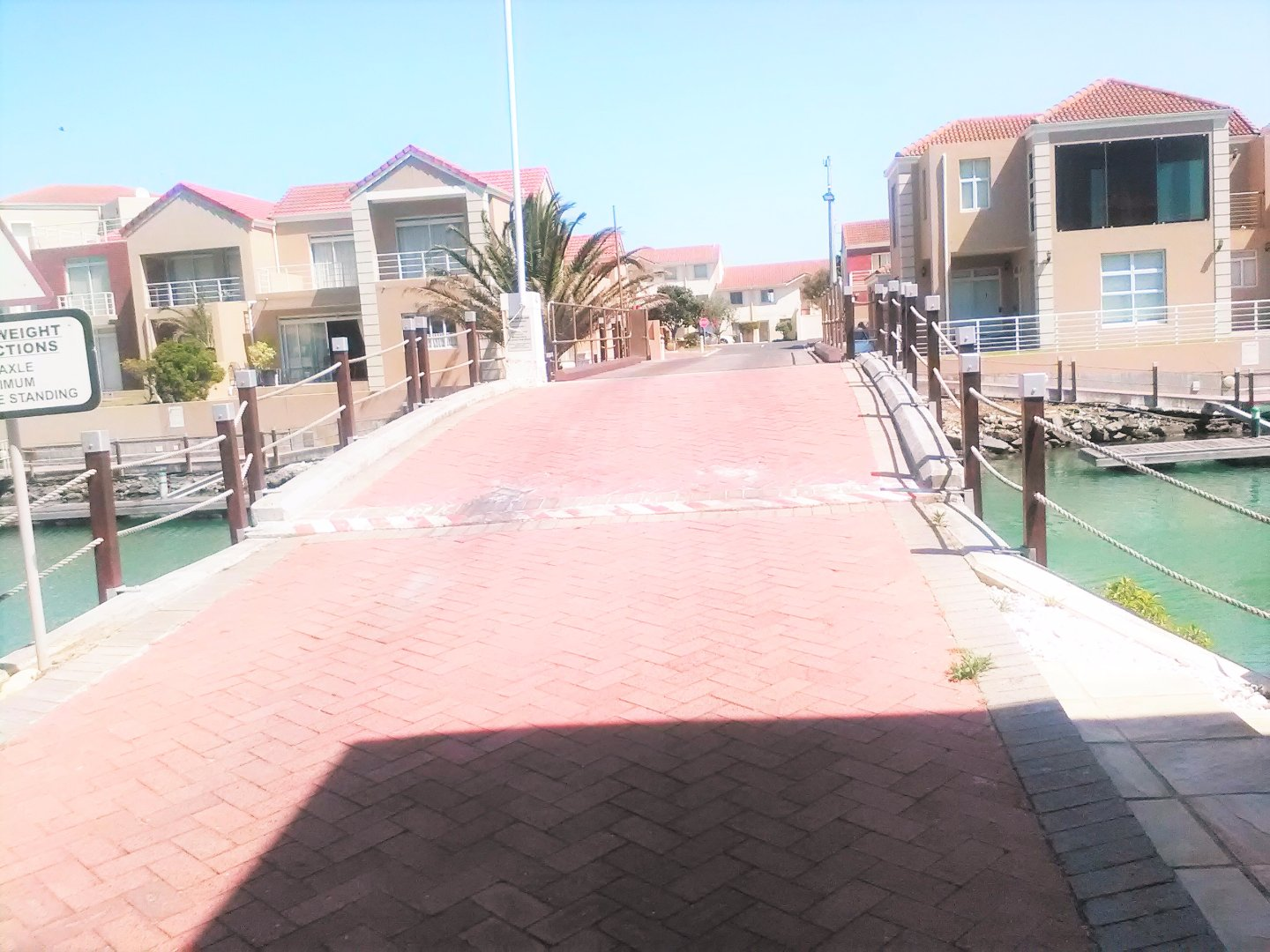 Harbour Island property to rent. Ref No: 13554085. Picture no 41