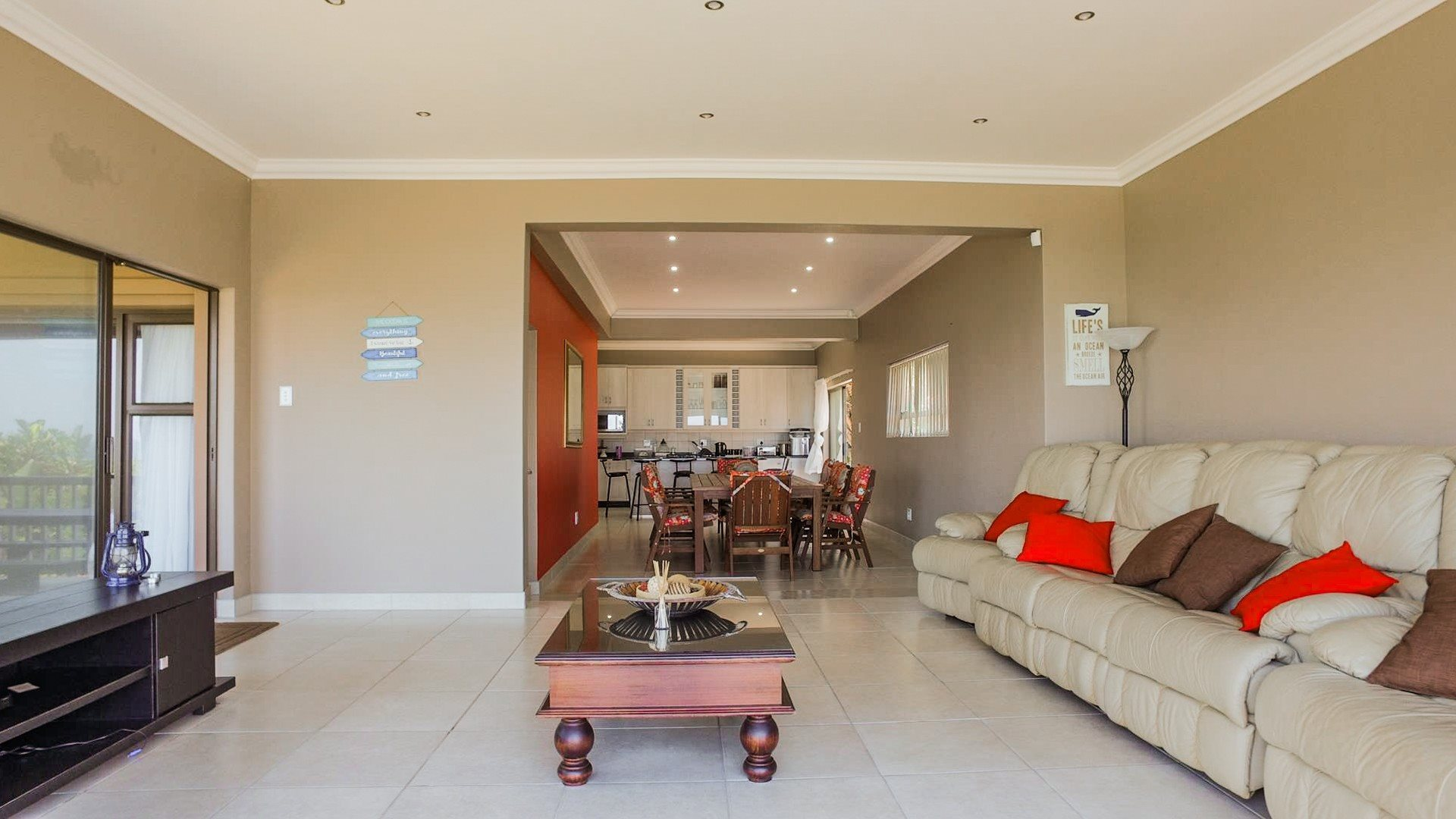 Pennington property for sale. Ref No: 13584849. Picture no 5