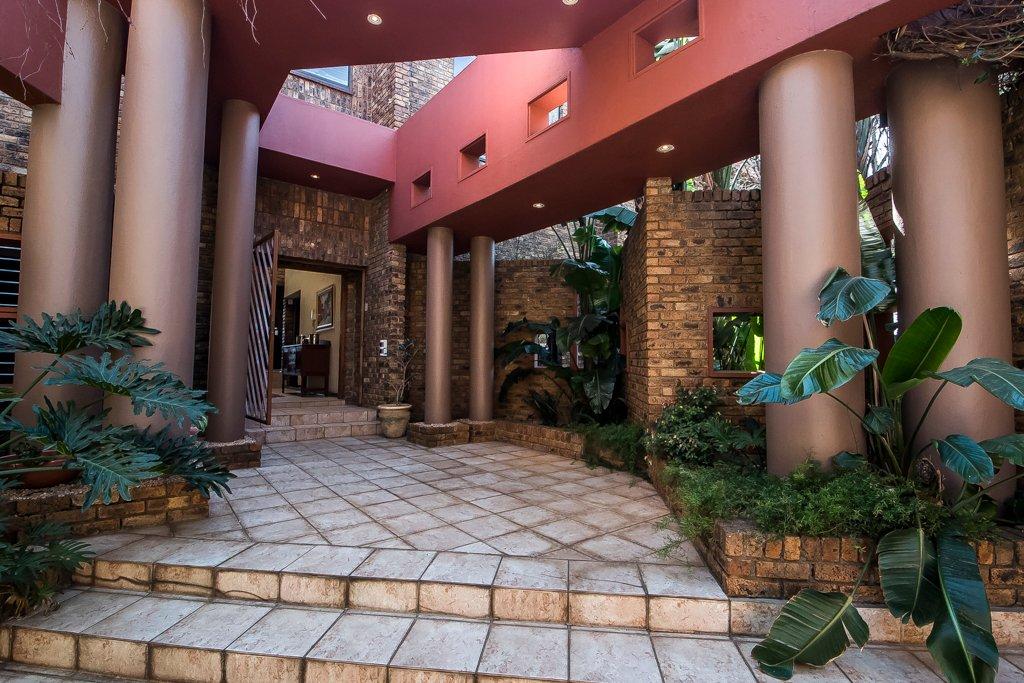 Glenvista property for sale. Ref No: 13500218. Picture no 16